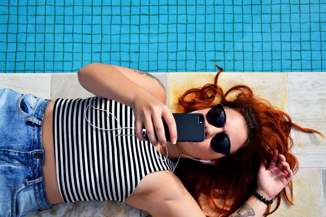 Entspannung Pool Teenager