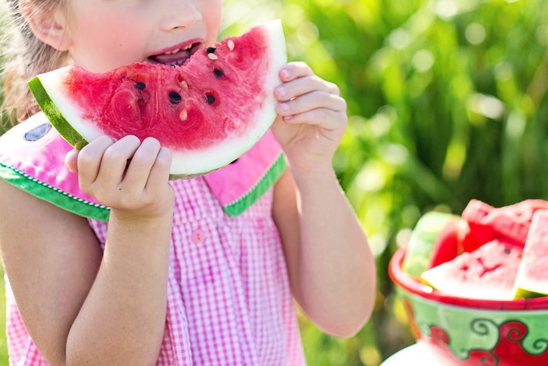 Kind Wassermelone
